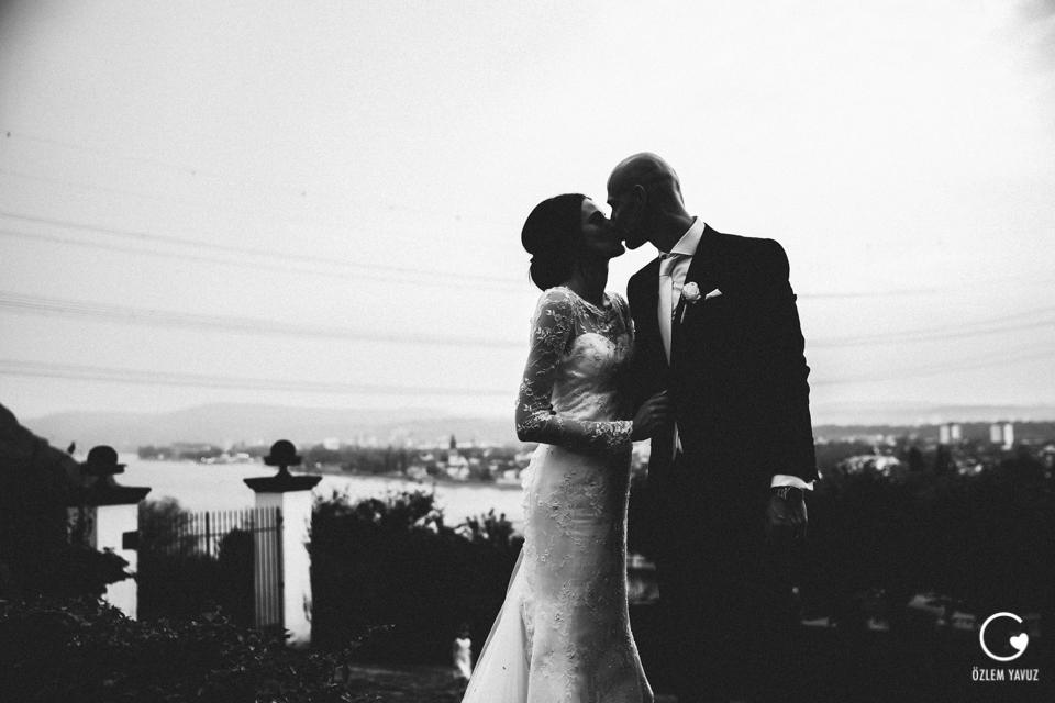 Özlem Yavuz » Love in Frames